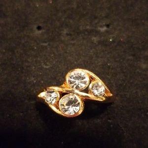 Gold ring  CZ diamond